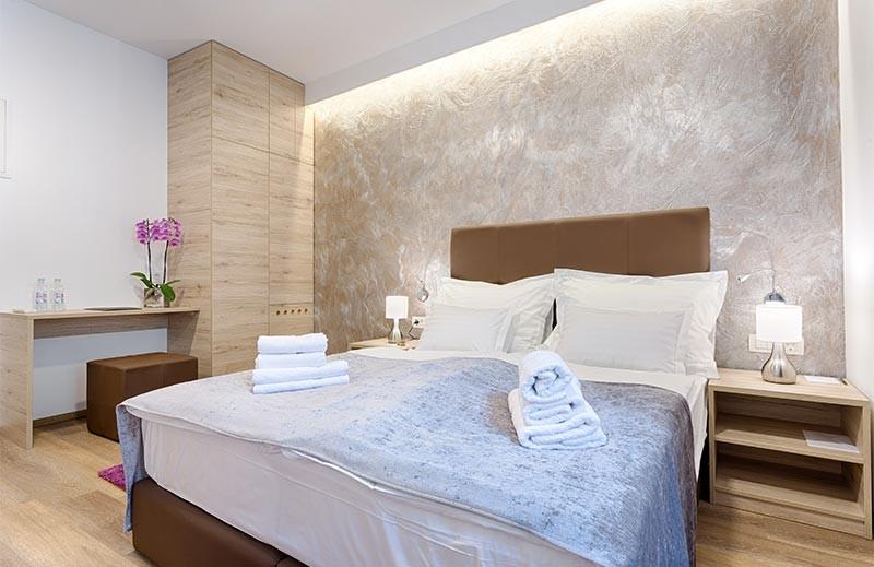 Central Pearl Rooms Split
